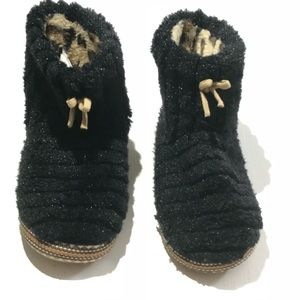 Cuddl Duds Shoes - Cuddl Duds Chill Chasers 5-6 Super Soft Slippers